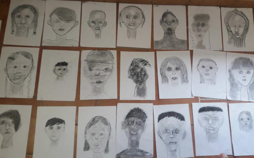 ART: dessin au fusain par une intervenante professionnelle + théâtre + chant…
